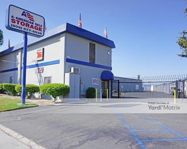 Storage Units for Rent available at 220 West Valley Blvd, Rialto, CA 92376 Photo Gallery 1
