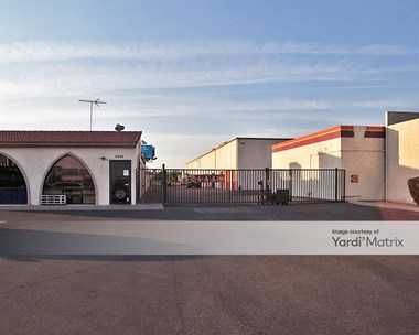 Storage Units for Rent available at 2421 North Black Canyon Hwy, Phoenix, AZ 85009 Photo Gallery 1