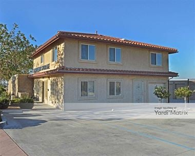 Storage Units for Rent available at 37560 Sierra Hwy, Palmdale, CA 93550
