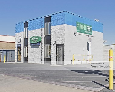 Storage Units for Rent available at 17108 Main Street, Hesperia, CA 92345 Photo Gallery 1