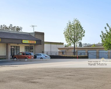 Storage Units for Rent available at 520 West Valley Pkwy, Escondido, CA 92025 Photo Gallery 1