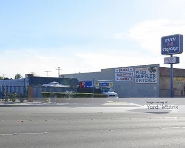 Storage Units for Rent available at 13260 Goldenwest Street, Westminster, CA 92683