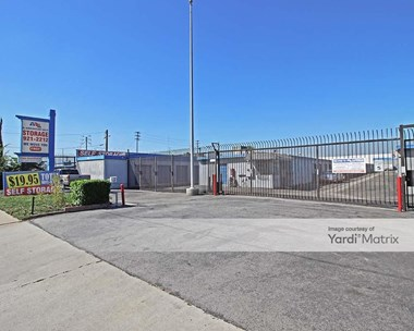 Storage Units for Rent available at 13443 Rosecrans Avenue, Santa Fe Springs, CA 90670 Photo Gallery 1