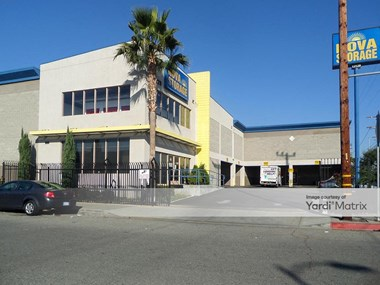 Storage Units for Rent available at 13129 South Figueora Street, Los Angeles, CA 90061 Photo Gallery 1