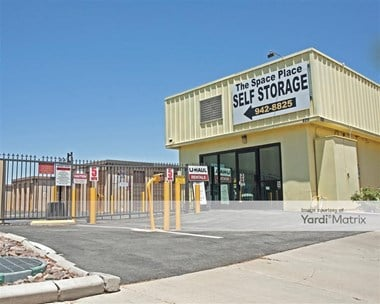 Storage Units for Rent available at 825 West Avenue L12, Lancaster, CA 93534 Photo Gallery 1