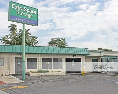Storage Units for Rent available at 5120 San Fernando Road, Glendale, CA 91204 Photo Gallery 1