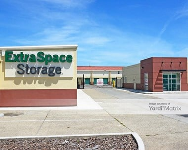 Storage Units for Rent available at 2000 Doolittle Drive, San Leandro, CA 94577 Photo Gallery 1