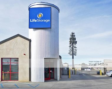Storage Units for Rent available at 2103 West Avenue J, Lancaster, CA 93536