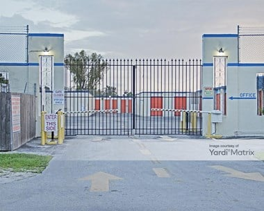 Storage Units for Rent available at 1905 NE 146th Street, North Miami, FL 33181 Photo Gallery 1