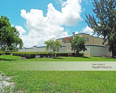 Storage Units for Rent available at 2765 NW 207th Street, Miami Gardens, FL 33056 Photo Gallery 1