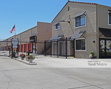 Storage Units for Rent available at 2480 Middlefield Road, Redwood City, CA 94063 Photo Gallery 1