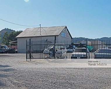 Storage Units for Rent available at 28243 South Redwood Hwy, Cloverdale, CA 95425 Photo Gallery 1