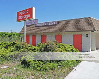 Storage Units for Rent available at 1498 Oddstad Drive, Redwood City, CA 94063 Photo Gallery 1