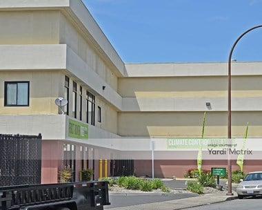 Storage Units for Rent available at 871 Willow Street, Redwood City, CA 94063 Photo Gallery 1