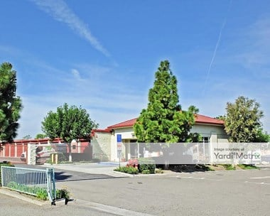 Storage Units for Rent available at 2955 Fairview Road, Costa Mesa, CA 92626 Photo Gallery 1