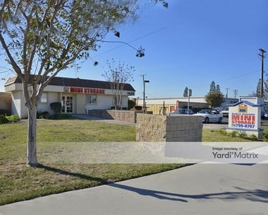 Storage Units for Rent available at 7420 Bolsa Avenue, Westminster, CA 92683 Photo Gallery 1