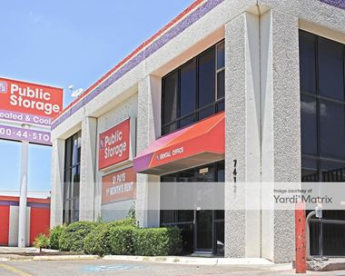 Storage Units for Rent available at 7412 Lemmon Avenue, Dallas, TX 75209 Photo Gallery 1