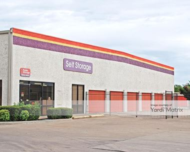 Storage Units for Rent available at 500 East Arapaho Road, Richardson, TX 75081