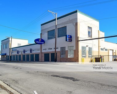 Storage Units for Rent available at 2051 North Austin Avenue, Chicago, IL 60639 Photo Gallery 1