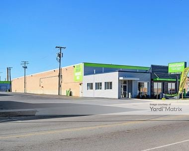 Storage Units for Rent available at 1944 North Narragansett Avenue, Chicago, IL 60639