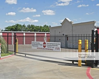Storage Units for Rent available at 561 East Ovilla Road, Red Oak, TX 75154 Photo Gallery 1