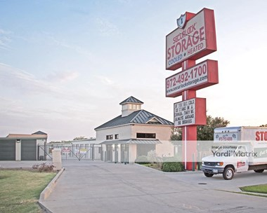 Storage Units for Rent available at 2208 Parker Road, Carrollton, TX 75010 Photo Gallery 1