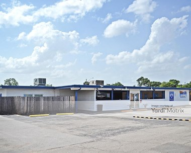 Storage Units for Rent available at 6400 Burnet Road, Austin, TX 78757 Photo Gallery 1