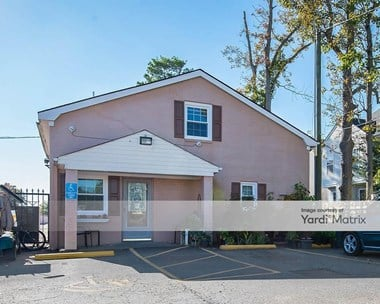 Storage Units for Rent available at 3213 Holland Road, Virginia Beach, VA 23453 Photo Gallery 1