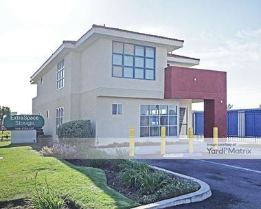 Storage Units for Rent available at 2000 West Mission Road, Alhambra, CA 91803