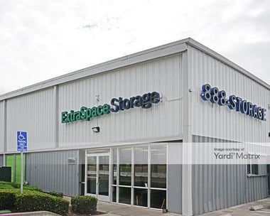 Storage Units for Rent available at 6401 San Leandro Street, Oakland, CA 94621 Photo Gallery 1