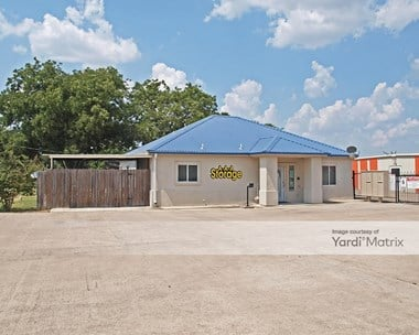 Storage Units for Rent available at 3706 North Main Street, Taylor, TX 76574 Photo Gallery 1