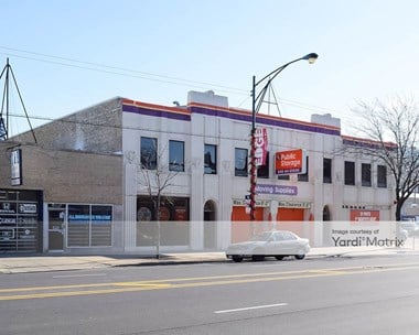 Storage Units for Rent available at 5733 North Broadway Street, Chicago, IL 60660 Photo Gallery 1