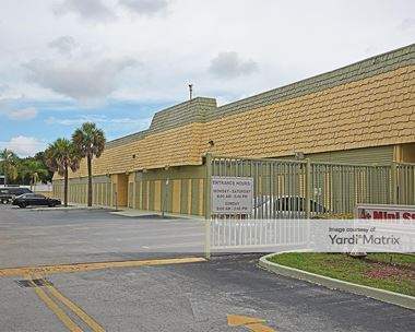 Storage Units for Rent available at 8395 SW 67th Avenue, Miami, FL 33143
