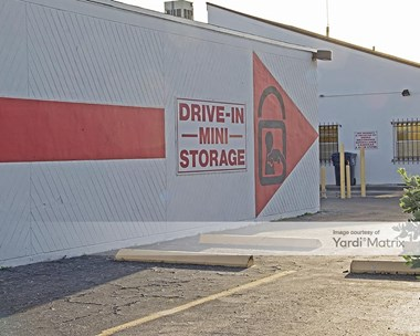 Storage Units for Rent available at 1301 NE 119th Street, North Miami, FL 33161 Photo Gallery 1