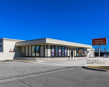Storage Units for Rent available at 3320 West Lake Avenue, Glenview, IL 60026