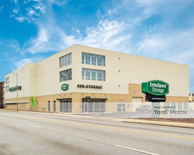 Storage Units for Rent available at 1301 Harlem Avenue, Berwyn, IL 60402 Photo Gallery 1