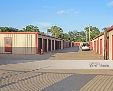 Storage Units for Rent available at 550 North O'Connor Road, Irving, TX 75061