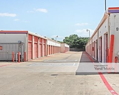 Storage Units for Rent available at 1212 East Airport Fwy, Irving, TX 75062