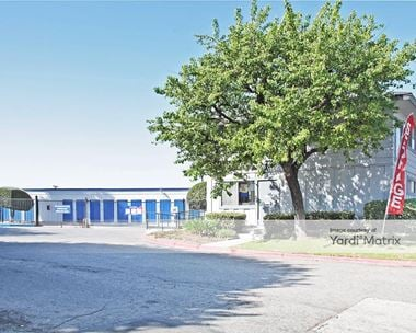 Storage Units for Rent available at 600 West Dyer Road, Santa Ana, CA 92707