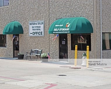 Storage Units for Rent available at 4015 Beltline Road, Addison, TX 75001 Photo Gallery 1