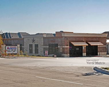 Storage Units for Rent available at 4321 Creek Valley Blvd, Carrollton, TX 75010