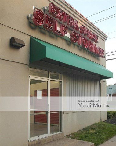 Storage Units for Rent available at 8001 Newell Street, Silver Spring, MD 20910 Photo Gallery 1