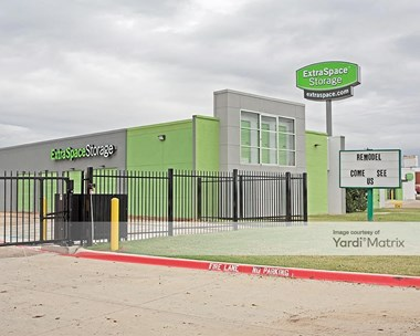 Storage Units for Rent available at 1204 West Euless Blvd, Euless, TX 76040 Photo Gallery 1