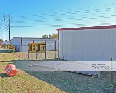 Storage Units for Rent available at 11700 Jacksboro Hwy, Fort Worth, TX 76135