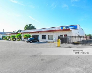 Storage Units for Rent available at 12700 Walsingham Road, Largo, FL 33774 Photo Gallery 1
