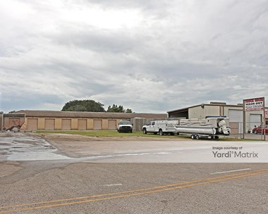 Storage Units for Rent available at 1004 West Commerce Avenue, Haines City, FL 33844 Photo Gallery 1