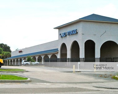 Storage Units for Rent available at 2910 Kurt Street, Eustis, FL 32726 Photo Gallery 1