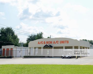 Storage Units for Rent available at 777 Piedmont-Wekiwa Road, Apopka, FL 32703 Photo Gallery 1