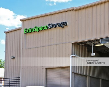 Storage Units for Rent available at 8603 Old Ardmore Road, Landover, MD 20785 Photo Gallery 1