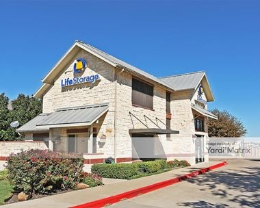 Storage Units for Rent available at 550 North Custer Road, McKinney, TX 75071